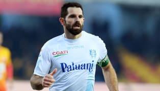  Sergio Pellissier, attaccante e storico capitano delChievo, milita nella squadra veronese dal 2002, e in 16 anni ha collezionato 487 presenze e 133 gol in...