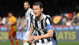 El futbolista suizo de la Juventus de Italia, Stephan Litchtsteiner, es uno de los objetivos del Montreal Impact, dela MLSde Estados Unidos, para el...
