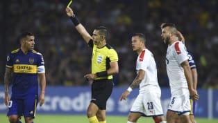 Carlos Tevez vive un momento soñado enBoca. Recuperó su mejor nivel, fue la gran figura del equipo que se consagró en laSuperligay volvió a ser feliz...