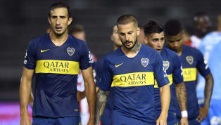Ni bien terminó el primer tiempo, el delantero deBocase mostró fastidioso con sus compañeros por el mal rendimiento ante el Tatangue. La era Alfaro en...