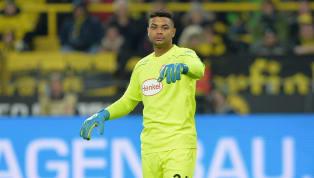 Schrecksekunde beim Mannschaftstraining von Fortuna Düsseldorf. Schlussmann Zack Steffen musste die Einheit am Mittwoch vorzeitig abbrechen. Der Nummer eins...