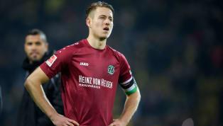 Waldemar Anton ist nicht mehr Kapitän vonHannover 96, dies gab Trainer Thomas Doll in einem Interview auf der Vereinswebsite bekannt. Die Binde übernimmt...