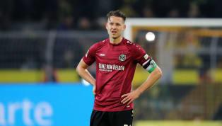 Tabellenschlusslicht Hannover 96 steht vor dem sechsten Abstieg der Vereinsgeschichte. Zwei Spieltage vor Schluss haben die Niedersachsen sechs Punkte...