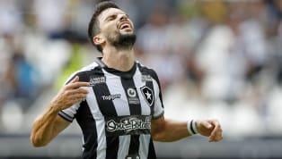 Quando vivia a melhor fase da carreira, sendo um dos destaques do Botafogo em 2018, João Paulo sofreu um duro golpe. Por conta de uma entrada violenta de...