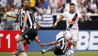 Um dia antes do clássico contra o Botafogo, em São Januário, o atacante Rossi foi o escolhido peloVasco da Gamapara conceder entrevista coletiva no CT do...