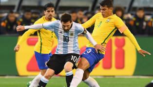 Trung vệ kỳ cựu Thiago Silva khẳng định, Messi đừng nên chỉ trích trọng tài sau những gì đã diễn ra ở Copa America năm nay. Messi đang là tâm điểm của dư luận...