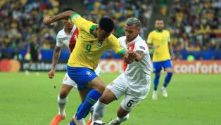 Chỉ ba phút sau khi tuyển Peru gỡ hòa 1-1 thì Gabriel Jesus đã một lần nữa đưa Brazil lên dẫn trước với một pha dứt điểm trong vòng cấm. Từ sai lầm của cầu...