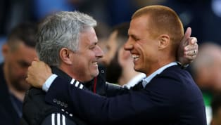 Former Chelsea midfielder Steve Sidwell has revealed that his teammates were moved to tears when they discovered their manager José Mourinho's sudden...