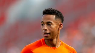 Hannover 96und Dennis Aogo trennen sich einvernehmlich. Der Vertrag des 33-Jährigen wird am Maschsee mit sofortiger Wirkung aufgelöst. Das eher unrühmliche...