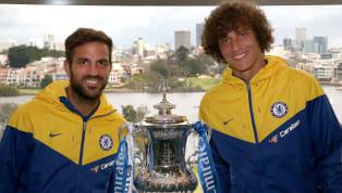 Chelseas Trainer Mauricio Sarri hat bekanntgegeben, dass er die die auslaufenden Verträge von David Luiz und Cesc Fabregas gerne verlängern würde. Allerdings...