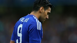 El Chelsea en los últimos años ha tenido jugadores que les han pesado el número '9'. El mito lo está rompiendo actualmente Tommy Abraham pero es número con...
