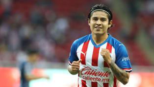Javier López, futbolista de lasChivas de Guadalajara, le está 'echando una manita' a la directiva para que puedan fichar a Víctor Guzmán. A través de sus...
