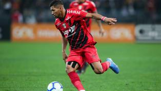 Na busca por reforços, a diretoria do Athletico-PRsegue de olho em nomes para qualificar o grupo do técnico Dorival Júnior e manter o padrão das últimas...