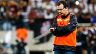 Fim da novela. OCruzeiroanunciou de forma oficial a contratação do técnicoEnderson Moreira para o restante da temporada. O novo treinador chega com a...