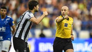 A arbitragem foi mais uma vez assunto no Campeonato Brasileiro. E, encerrados os jogos da 32ª rodada da competição, selecionamos cinco lances polêmicos para...