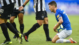 Horas antes da bola rolar em São Januário para o decisivo duelo entre Vasco e Cruzeiro, o gestor de futebol do clube mineiro, Zezé Perrella, anunciou...