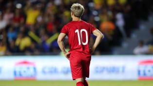 HLV Park Hang-seo lần nữa bênh vực Công Phượng sau trận gặp UAE. Cầu thủ số 10 được tung vào sân trong hiệp 2 thay Tiến Linh. Khác với đồng đội, Công Phượng...