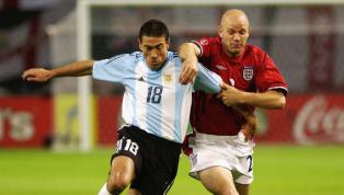 Cristián Alberto González Perret, conocido popularmente como Kily González, fue uno de los mejores jugadores en su puesto durante la década de los90 y de...