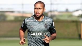 O volante do Atlético-MG, Jair, passou por uma cirurgia nessa quarta-feira, após sofrer uma entorse do joelho esquerdo com ruptura do menisco medial no treino...