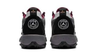 En collaboration avec Jordan, le PSG a sorti une troisième paire de sneakers peu de temps après la sortie de son maillot third. A l'occasion de la sortie de...
