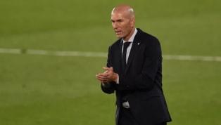 Futbol tarihindeki çok az oyuncu, Zinedine Zidane kadar yaygın bir hayranlık uyandırmayı başardı. Fransız futbol dehası futbolun ayaklardan çok zekayla...