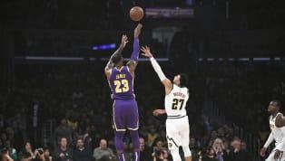 Entre los cinco mejores anotadores en playoffs de la NBA hay tres miembros del Salón de la Fama y los otros dos lo serán a su debido tiempo. Solo uno sigue...