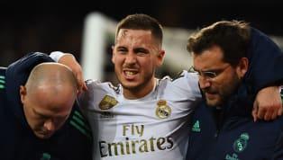 Aperçu dans les tribunes du Santiago Bernabeu avec les béquilles en main, Hazard est définitivement out jusqu'en juin 2020. Cette fois, le doute n'est plus...