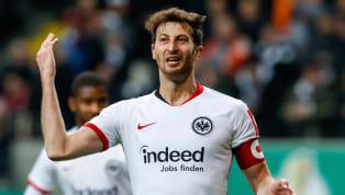 David Abraham ist einer der führenden Köpfe der Mannschaft von Eintracht Frankfurt. Im Sommer könnte der Kapitän die SGE abervorzeitig in Richtung...