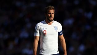 Selain diTottenham Hotspur,Hary Kane juga bisa memperlihatkan ketajamannya saat memperkuat tim nasional Inggris. .@chris_sutton73: Harry Kane is the...