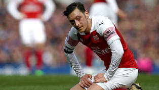 ​Mesut Ozil vented his frustrations during Arsenal's 1-0 defeat to Everton on Sunday by throwing his coat at Everton staff during a touchline row between Unai...