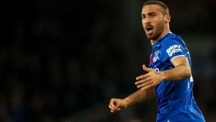 İngiltere Premier Lig ekiplerinden Everton, Crystal Palace idmanında sakatlanan milli futbolcu Cenk Tosun'un takıma döndüğünü ve deneyimli futbolcunun...