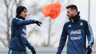 युवेंटस के अर्जेंटीनी स्ट्राइकर पाउलो डिबाला ने अपने हमवतन लियोनल मेसी से अर्जेंटीना की टीम में वापसी करने की गुज़ारिश की है। उन्होंने दावा किया है कि वे सभी...