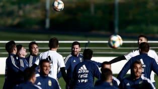 LaSelección Argentinadirigida por Lionel Scaloni se volvió a entrenaren Madrid, donde el viernes a partir de las 17enfrentará en el Wanda...