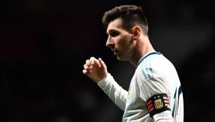 Siêu sao Lionel Messi đã dính một chấn thương trong ngày trở lại tuyển Argentina, anh sẽ trở về Barcelona để điều trị chấn thương này. Đêm qua, tuyển...