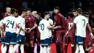 La Selección Argentina cayó derrotada frente a Venezuela por tres goles a uno en el partido del regreso deLeo Messi, que además se disputó en el Wanda...