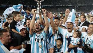 Ayer por la noche, la Superliga otorgó los premios a los futbolistas con mejor desempeño en el torneo ganado por Racing, y a continuación en esta lista te...