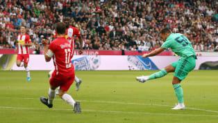 Eden Hazard a inscrit son premier but sous le maillot du Real Madrid, et il vaut le détour. Ça y est,Eden Hazardsemble enfin prendre ses marques au sein...