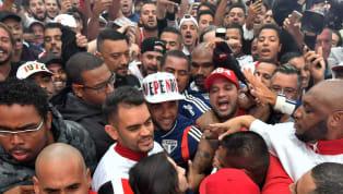 San Pablo rompió elmercadode pases del fútbol sudamericano. Se quedó conDani Alves, que venía de ser la gran figura de Brasil en la Copa América y es un...