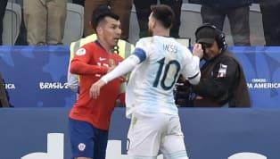 El futbolista chileno continúa con su escalada provocaciones y en su última publicación en Instagram escribió un sugerente mensaje defendiéndose de las...