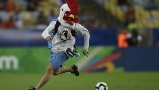 Hậu vệ kỳ cựuGonzalo Jara đang khiến cho nhiều người phẫn nộ với hành vi bạo lực đối với một fan cuồng trong trận đấu diễn ra vào sáng nay 25/06 giữa Chile...