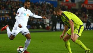 Sporx'te yer alan habere göre;Beşiktaş'ın transfer listesinde bulunan ve siyah beyazlı takımla anlaşması beklenen Hollandalı kanat oyuncusu Luciano...