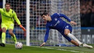 Sejak dibeli pada musim panas 2017 dariReal Madriddengan harga 72 juta pound, Alvaro Morata belum memberikan kontribusi memuaskan sebagai seorang striker...