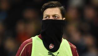 Huyền thoạiEmmanuel Petit phân tích về tình hình của tiền vệ Mesut Ozil hiện tại, anh chỉ ra nguyên nhân khiến tiền vệ người Đức không được trọng dụng dưới...
