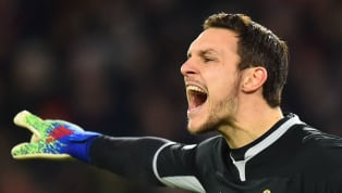 ​Liverpool are eyeing up a move for Southampton goalkeeper Alex McCarthy, should current backup Simon Mignolet leave Anfield this summer, according to one...