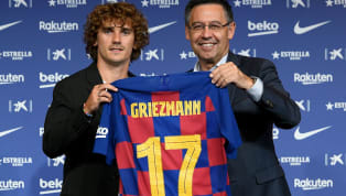 El último caso es el de Antoine Griezmann. El francés no ha podido coger el número 7 en el Barcelona debido a que era de Phlippe Coutinho, y de los que...