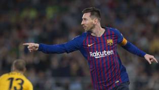 """Trang facebook của Chelsea mới đây đã phải đổi lại dòng """"caption"""" khi so sánh siêu phẩm lốp bóng của siêu sao Lionel Messi vào lưới Real Betis với bàn thắng..."""