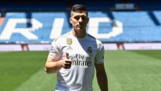 Real Madridberhasil mendatangkan pemain yang bersinar bersama dengan Eintracht Frankfurt di musim 2018/19, Luka Jovic. Pemain asal Serbia itu resmi datang...