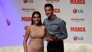 Cristiano Ronaldo n'a pas remporté le ballon d'or 2019 (3ème) mais a obtenu un soutien de poids, celui de son épouse, GeorginaRodriguez, qui a publié un...