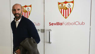 Futbolculuk kariyerinde sadece Sevilla'da forma giyse de, Monchi 9 yıl boyunca takımın yedek kalecisi olmak zorunda kaldı. Monchi futbolu bıraktıktan sonra...