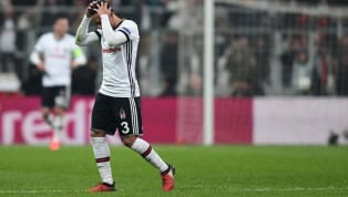 Sözleşmesi bu sezon sona eren ve Beşiktaş'tan ayrılan Adriano'ya vergi kaçırdığı iddiası ile İspanya'da açılan dava sonucunda hapis cezası verildi....